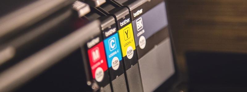 Vous devez comparer les coûts des imprimantes jet d'encre et laser en fonction de vos besoins